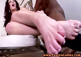 interracial feet worshipping with busty brunette