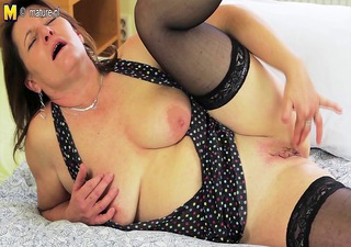 perverted housewife getting her pussy wet